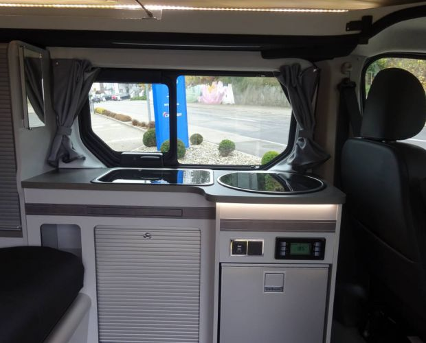 Renault Trafic Grand SpaceNomad innen